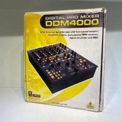 Mixer Behringer DDM4000
